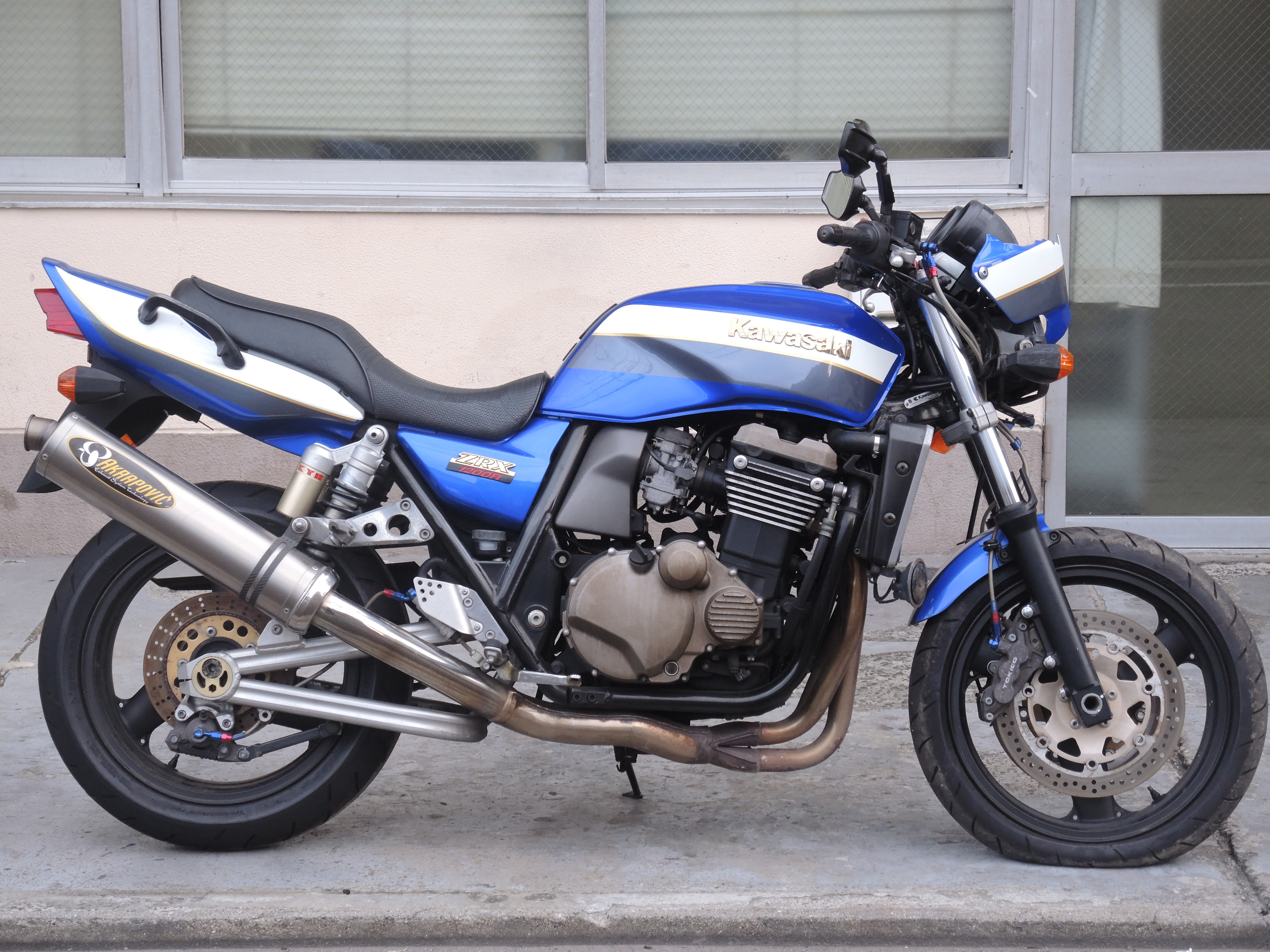 ZZ-ZRX1200R