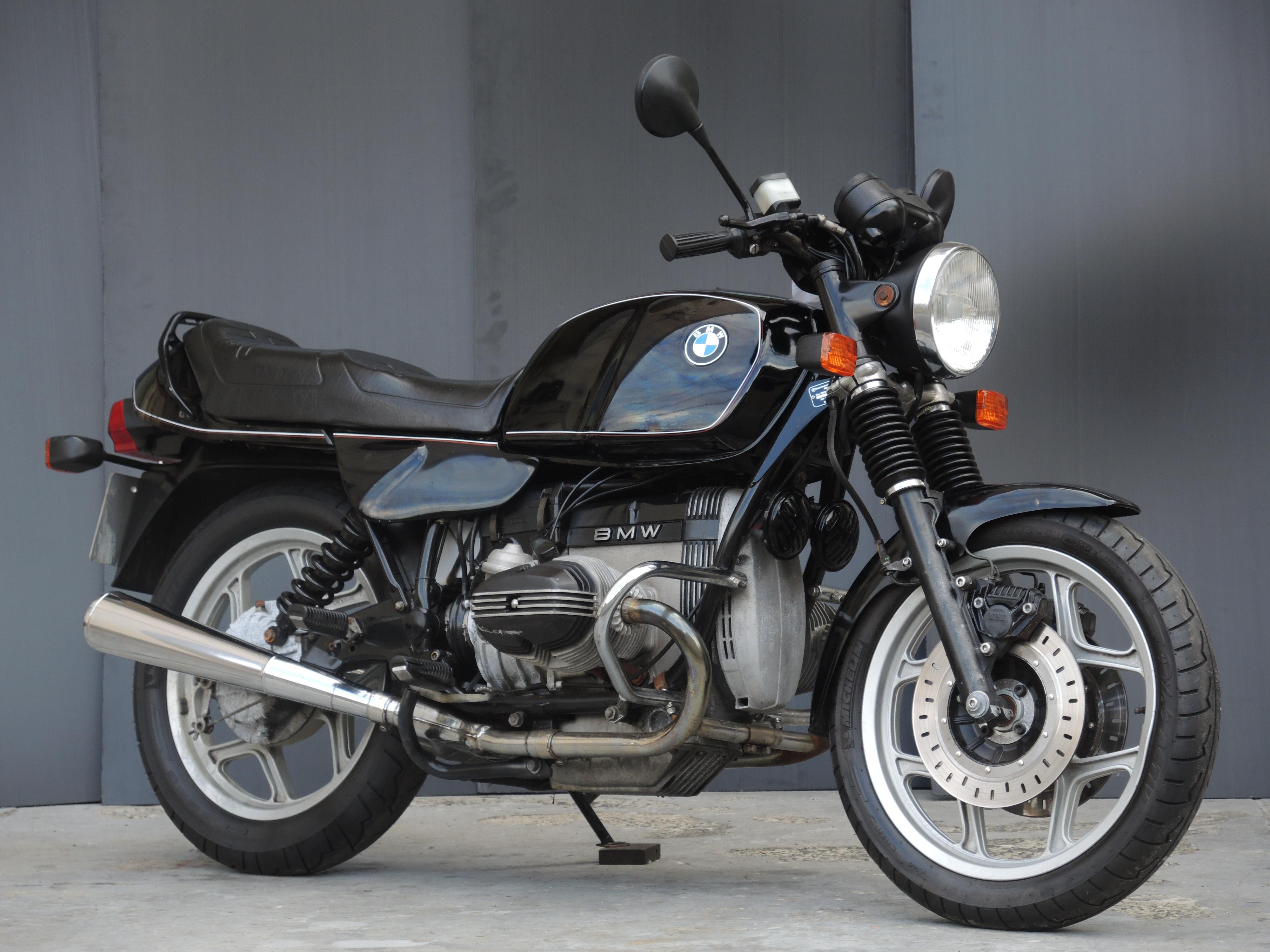 BMWR80